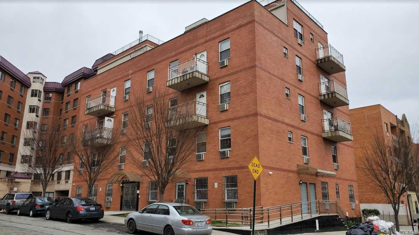 Property for sale at 71-77 159 Street Unit: 3C, Fresh Meadows,  New York 11365