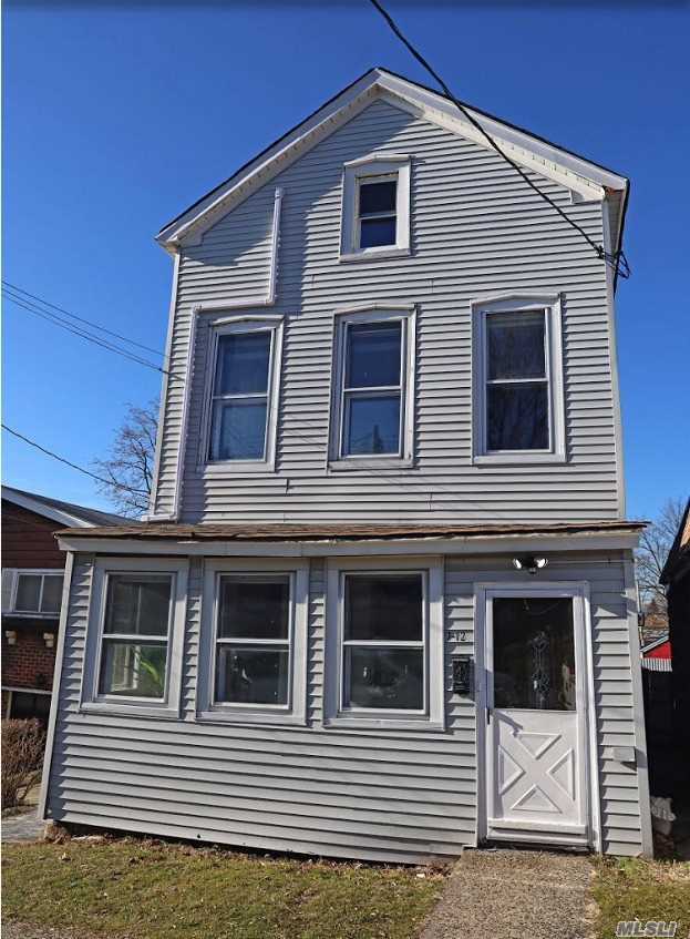 7-12 125 STREET, COLLEGE POINT, NY 11356