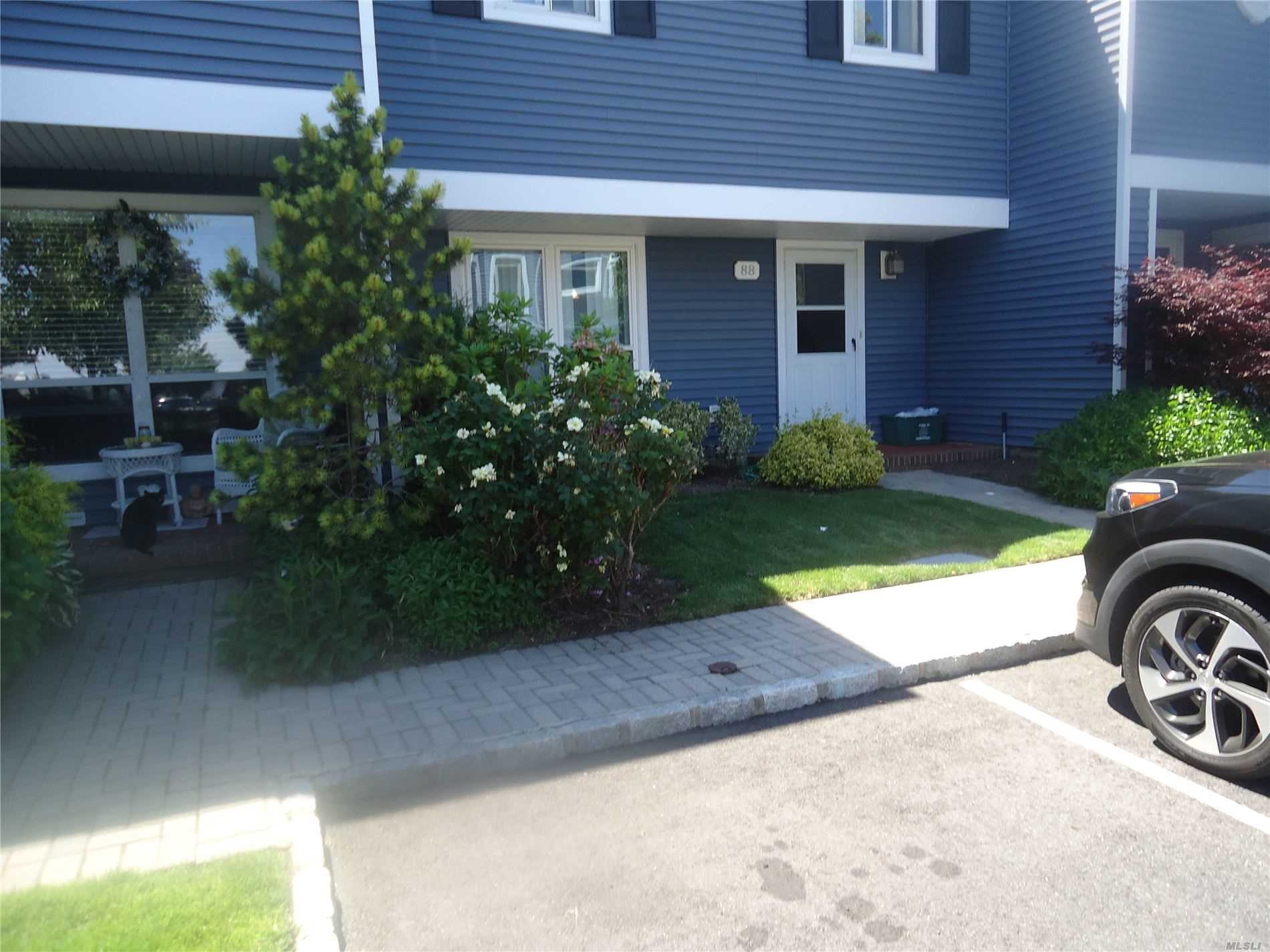 Property for sale at 100 Baker Ct. Unit: 88, Island Park,  New York 11558