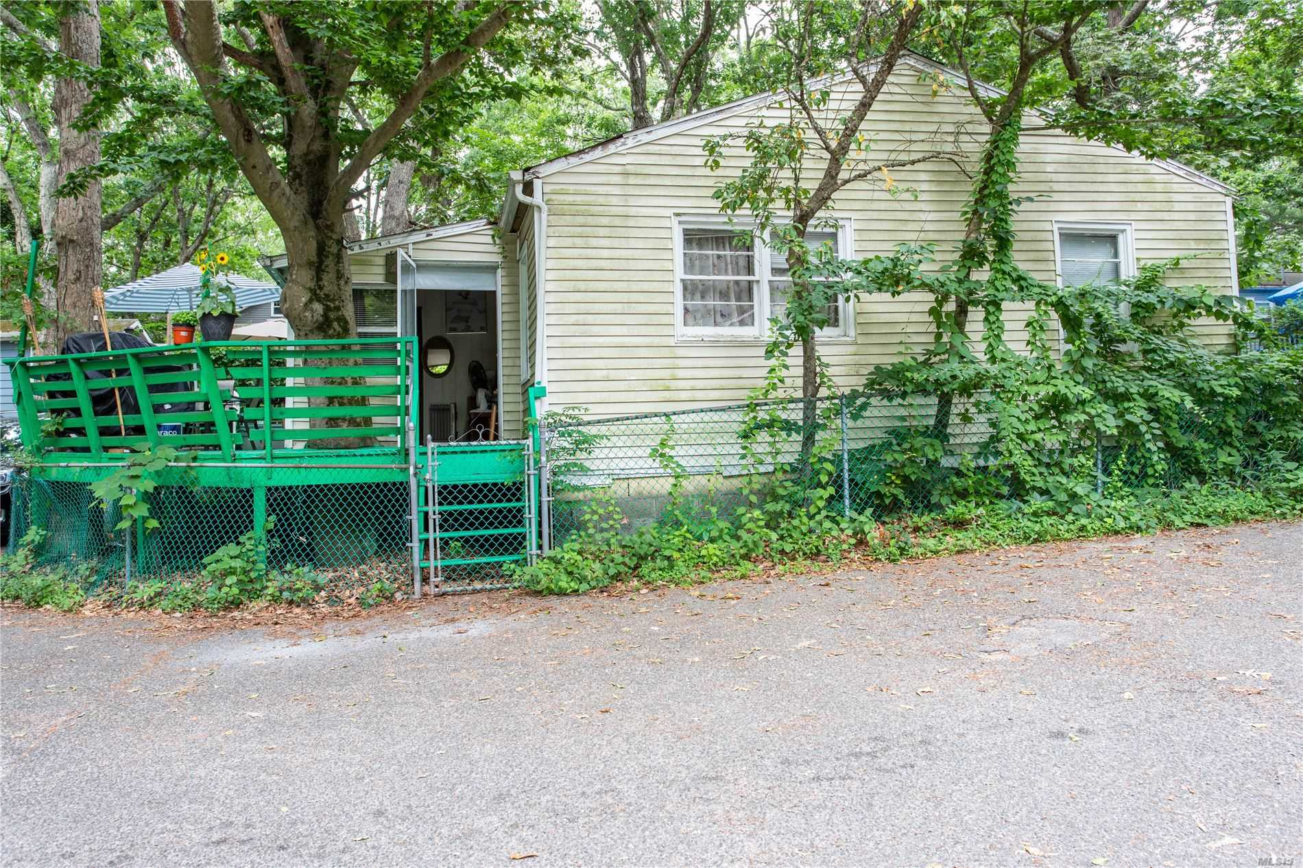 Two Family Woodcliff Trail  Suffolk, NY 11933, MLS-3228906-14