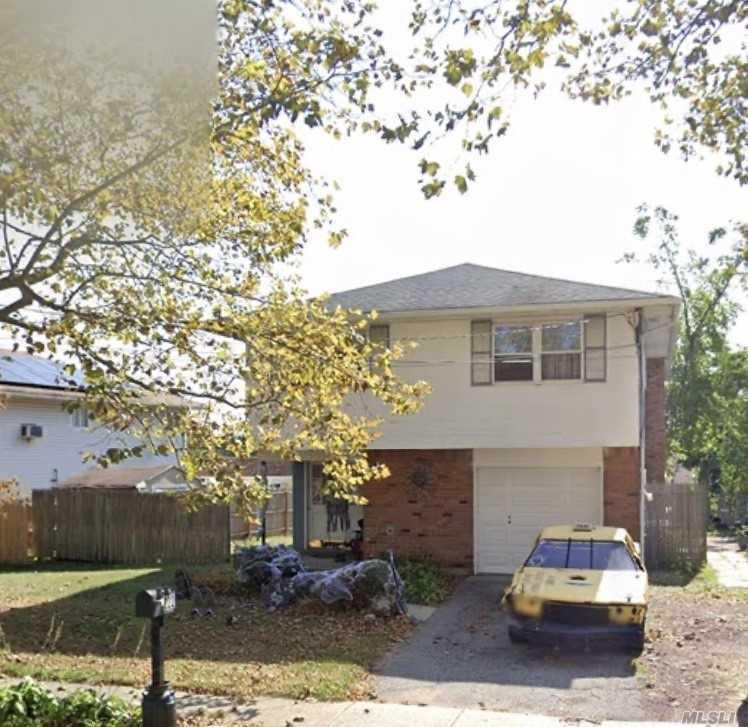 222 Bellerose Ave, E. Northport NY 11731