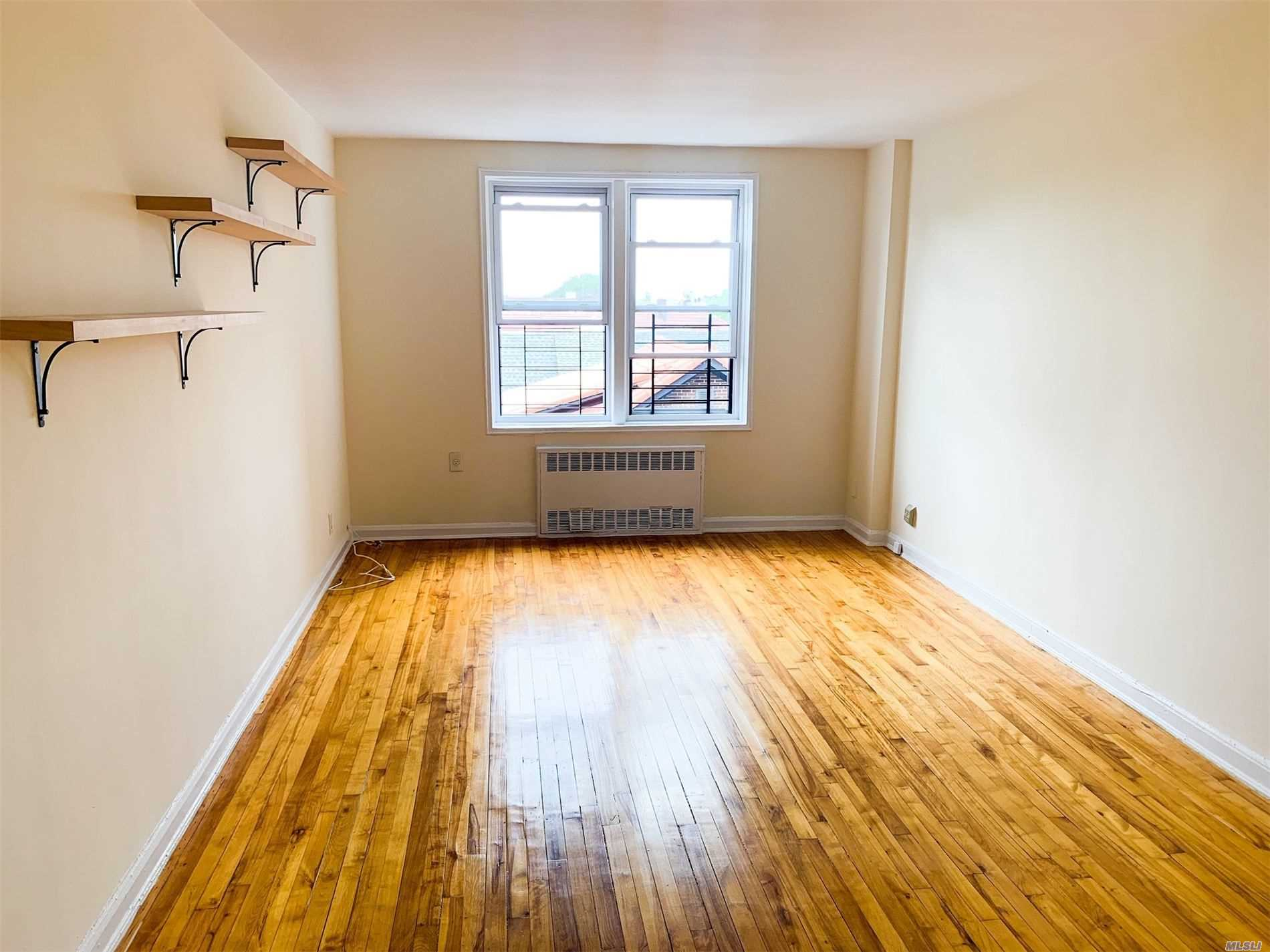 Property for sale at 85-11 34th Avenue Unit: 5K, Jackson Heights,  New York 11372