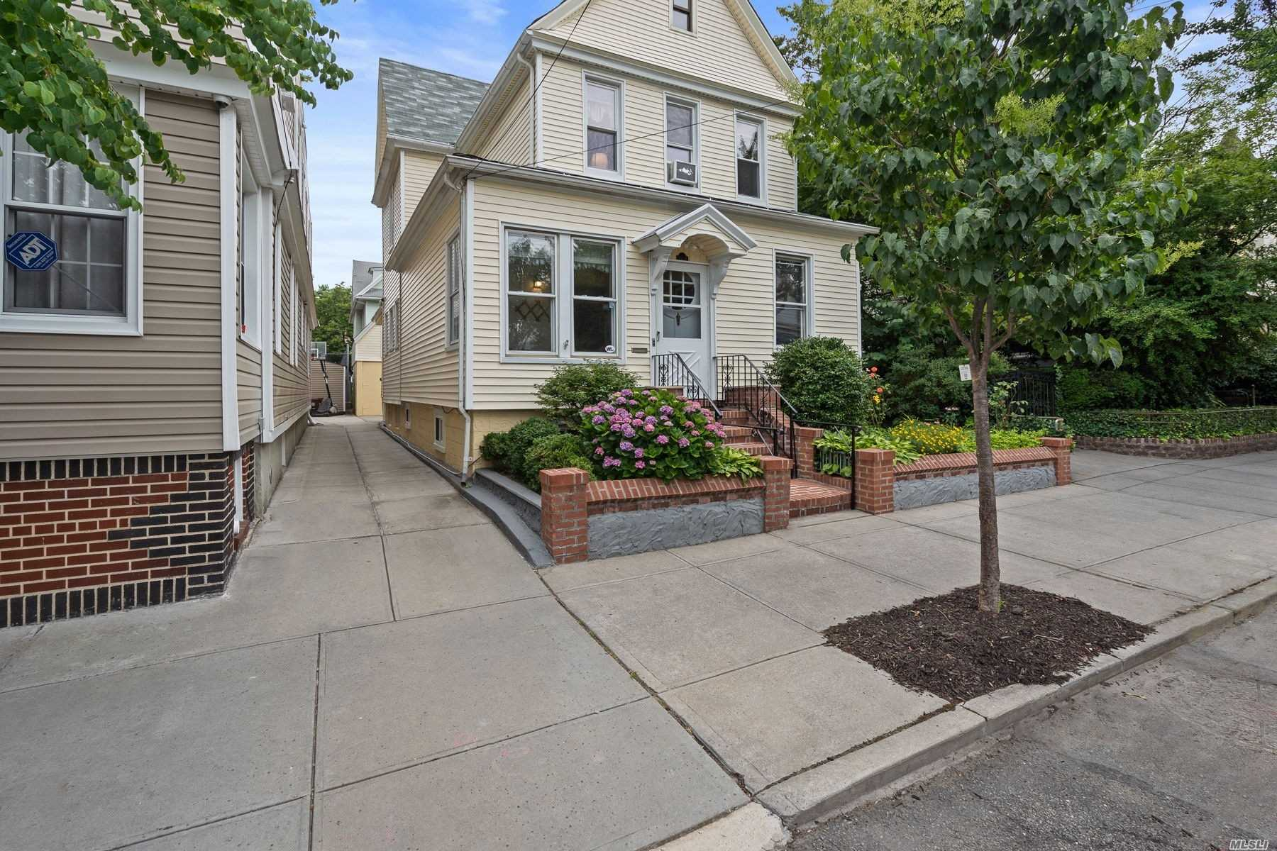 Property for sale at 102-15 89th Avenue, Richmond Hill,  New York 11418