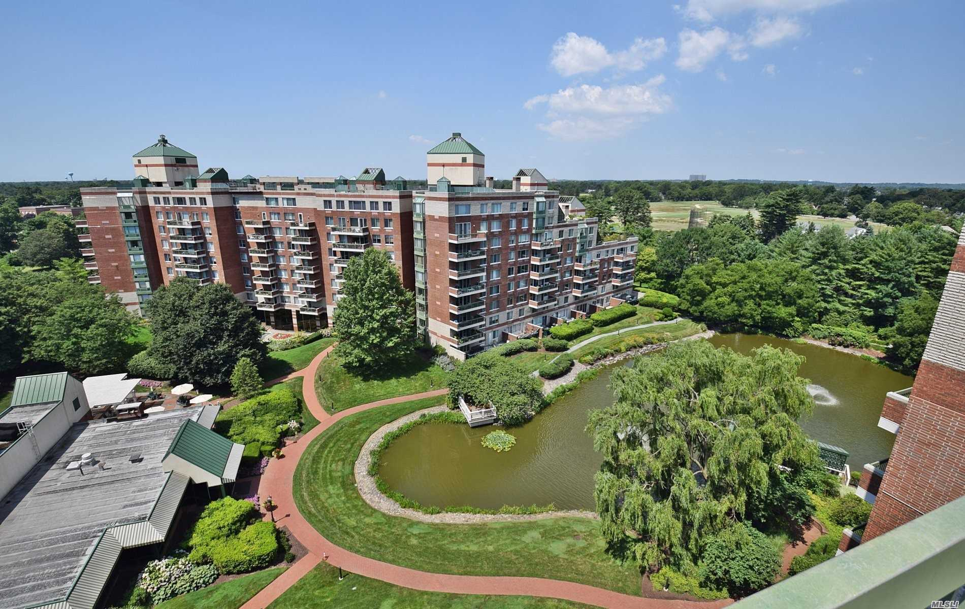 Property for sale at 100 Hilton Avenue Unit: 901E, Garden City,  New York 11530