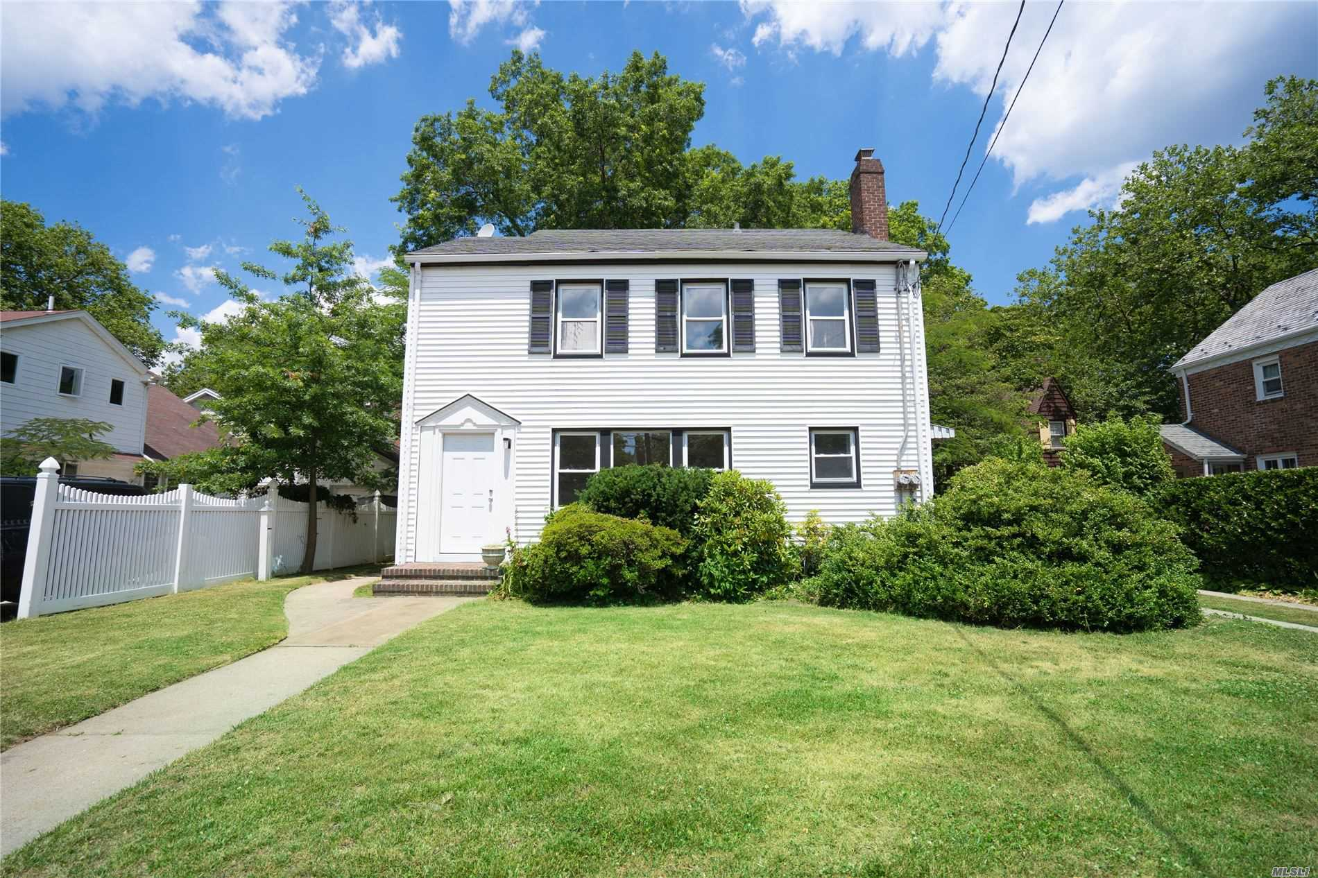 Property for sale at 467 Tulip Avenue, Floral Park,  New York 11001