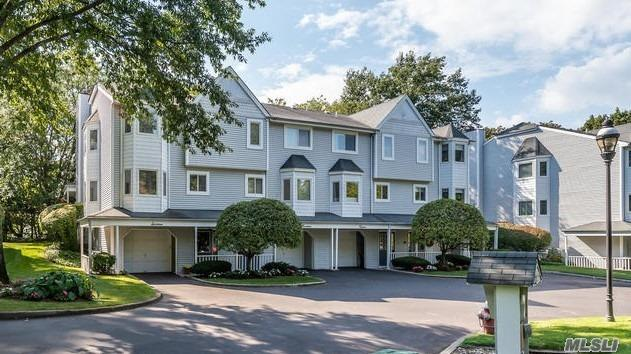 Property for sale at 16 Highland Mews, Glen Cove,  New York 1