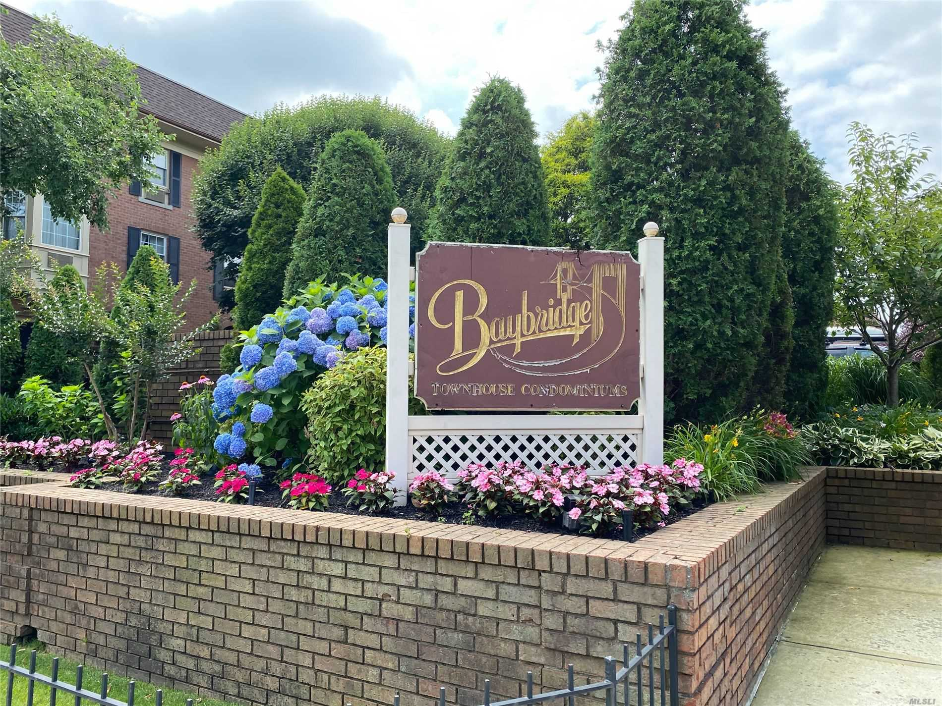 Property for sale at 208-04 Robert Road Unit: 189L, Bayside,  New York 11360