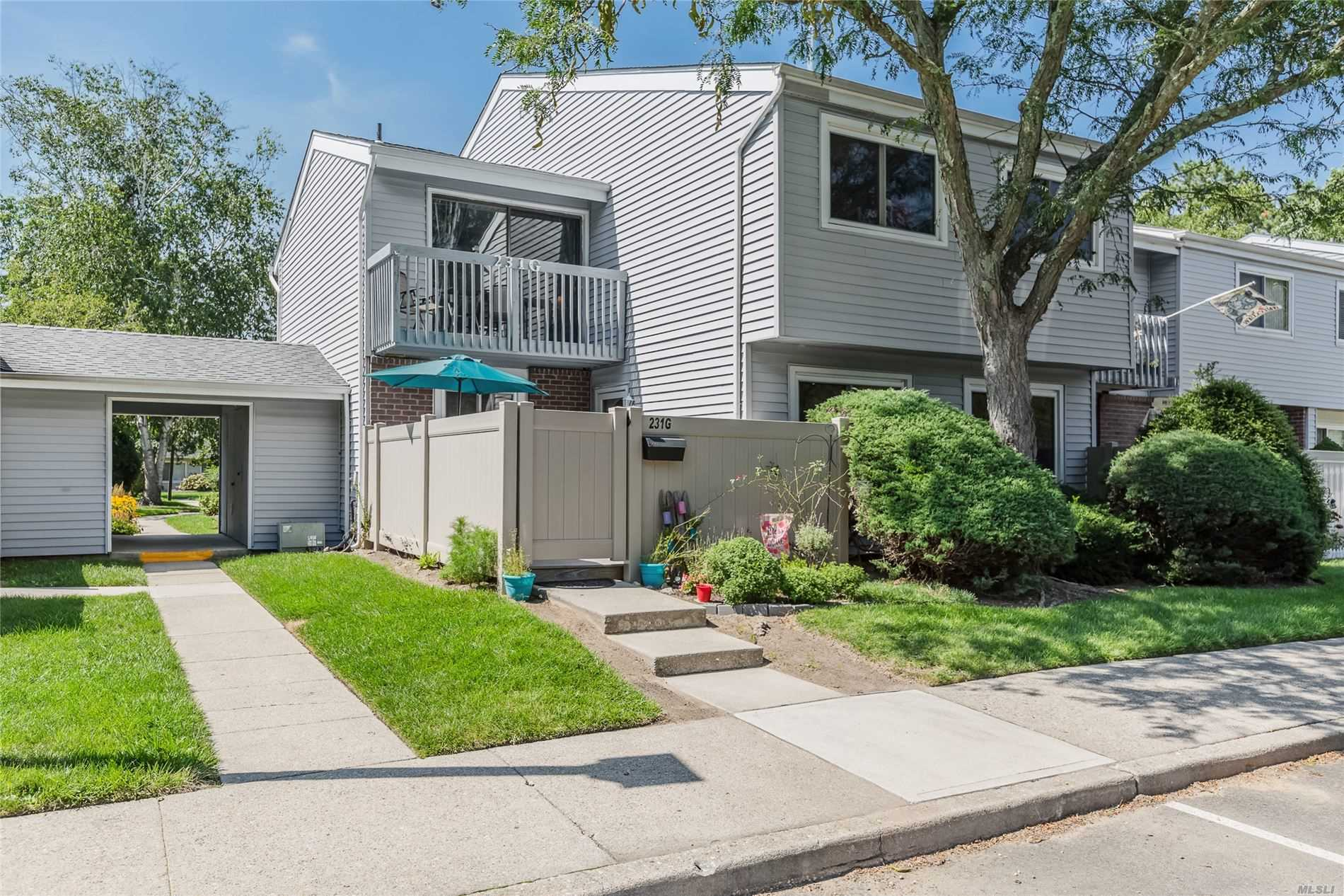 Property for sale at 231 Springmeadow Drive Unit: G, Holbrook,  New York 11741