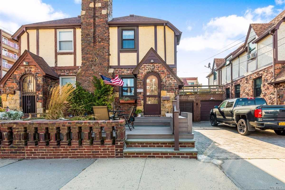 Property for sale at 53 Roosevelt Boulevard, Long Beach,  New York 11561