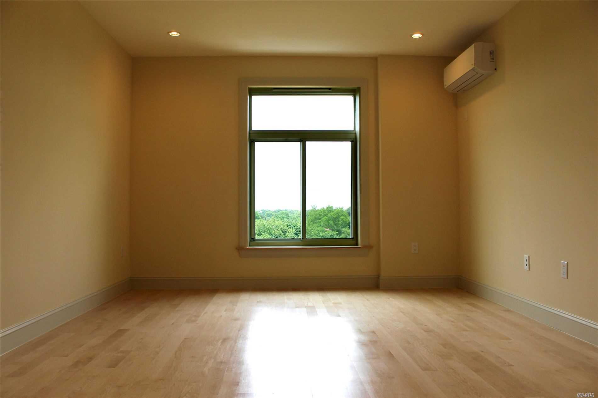 Property for sale at 65-38 Austin Street Unit: 2D, Rego Park,  New York 11374
