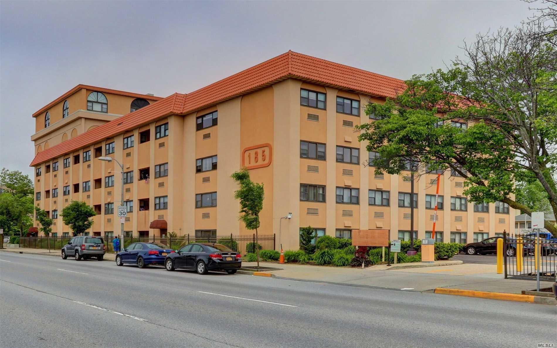 Property for sale at 185 W Park Avenue Unit: 200, Long Beach,  New York 11561
