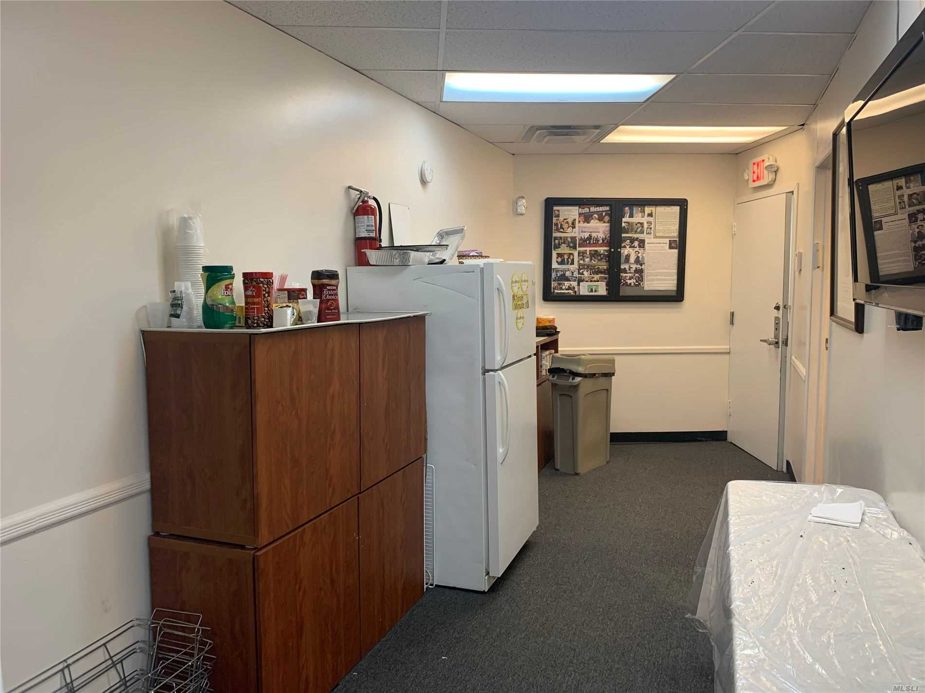 Commercial Lease Maple Drive  Nassau, NY 11021, MLS-3240260-7