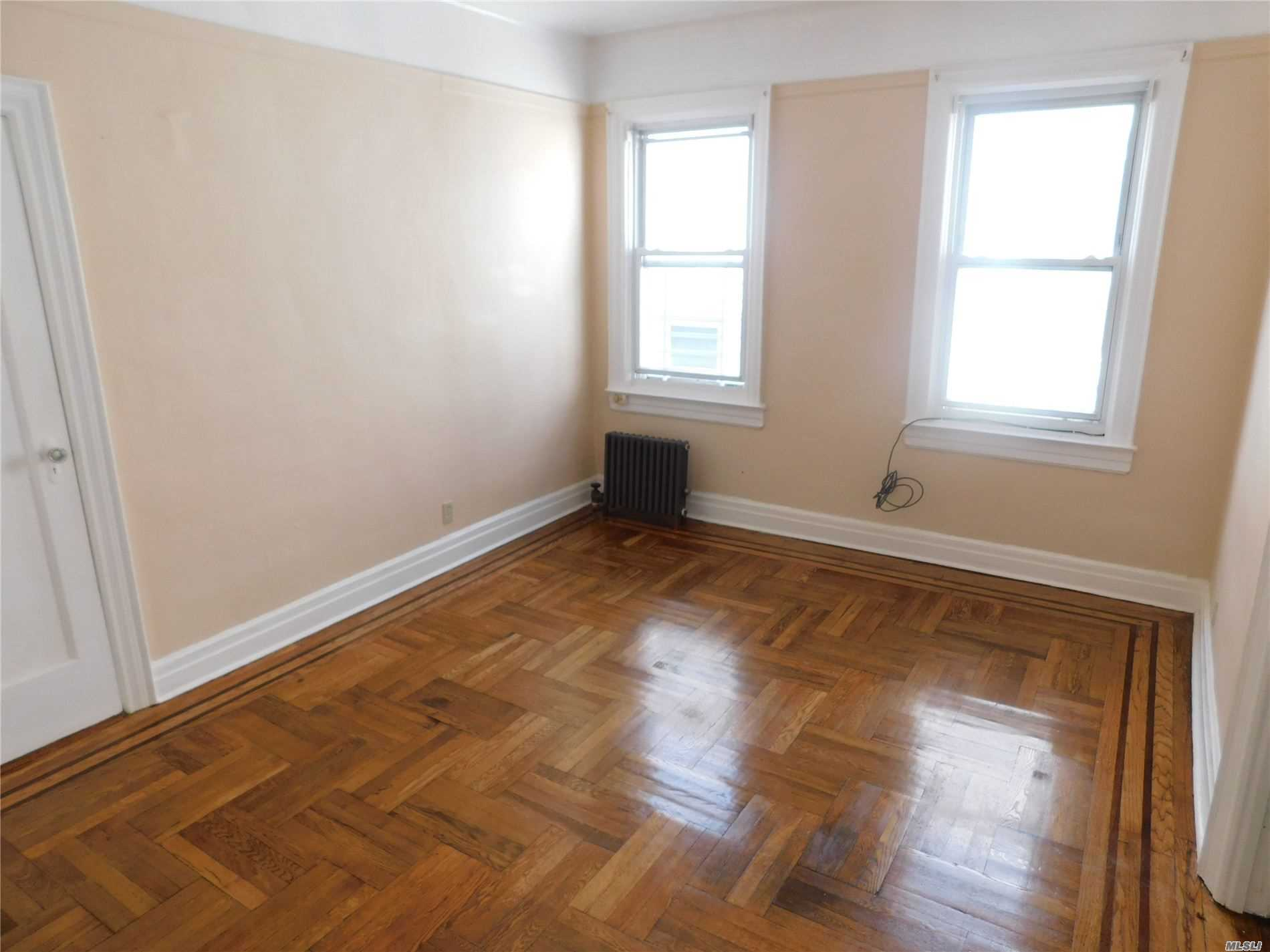 3976 52nd, Sunnyside, New York 11104, 1 Bedroom Bedrooms, ,1 BathroomBathrooms,Residential,For Sale,52nd,3242150