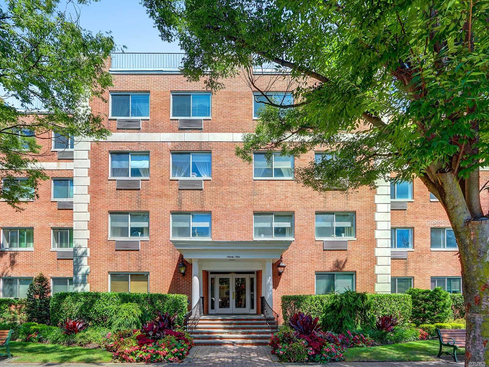 Property for sale at 99 7th Street Unit: 2E, Garden City,  New York 11530
