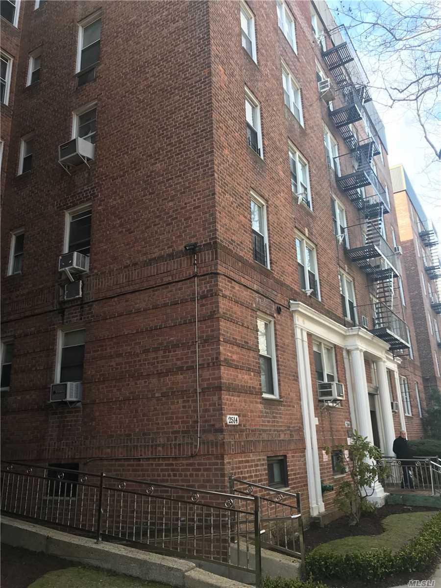 2552 E 7th Street 5D, Bensonhurst, NY 11214