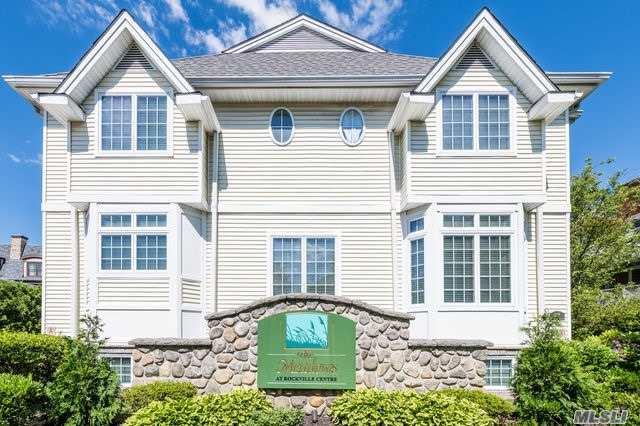 Property for sale at 106 Morris Avenue Unit: 4, Rockville Centre,  New York 11570