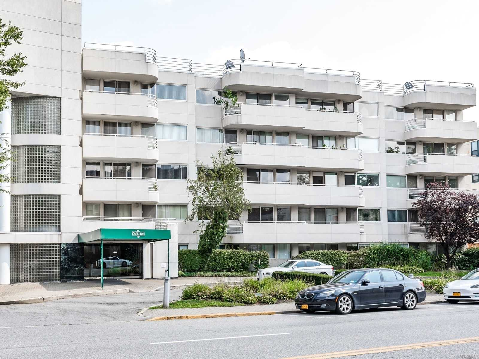 Property for sale at 88 Cuttermill Road Unit: 310, Great Neck,  New York 11021