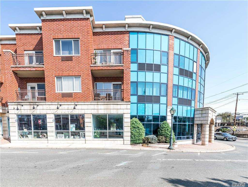 Property for sale at 130 Post Avenue Unit: 231, Westbury,  New York 11590