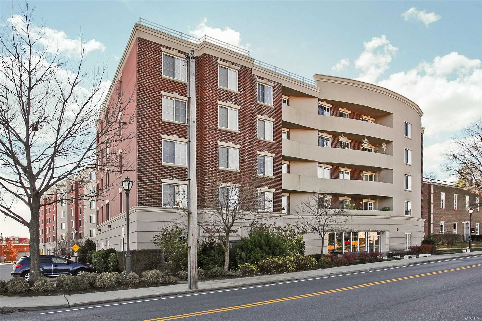 Property for sale at 242 Maple Avenue Unit: 310, Westbury,  New York 11590