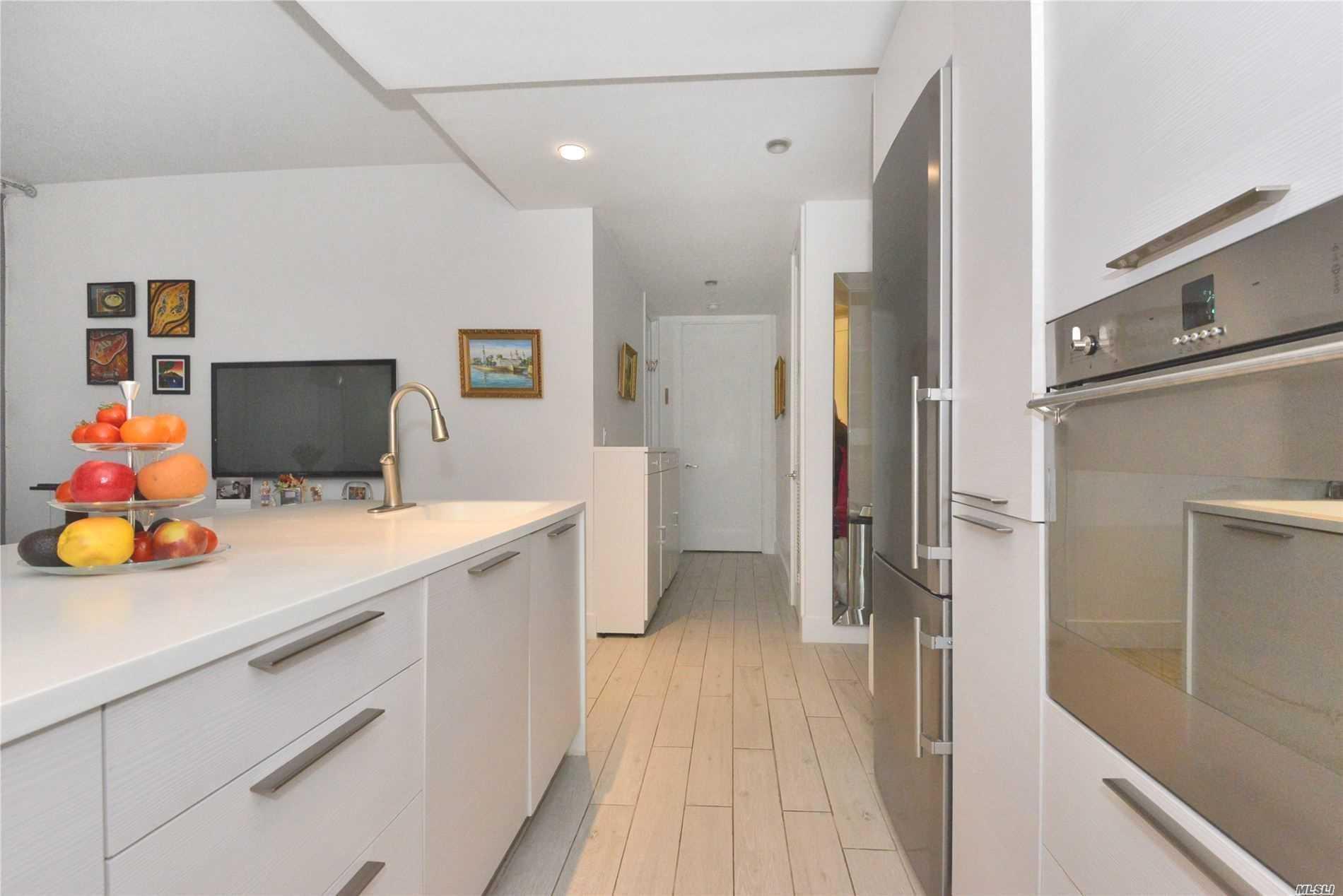 Property for sale at 5-19 Borden Avenue Unit: 4-B, Long Island City,  New York 11101