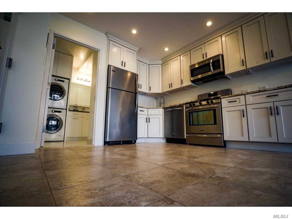 Property for sale at 23-28 30th Drive Unit: 5F, Astoria,  New York 11102