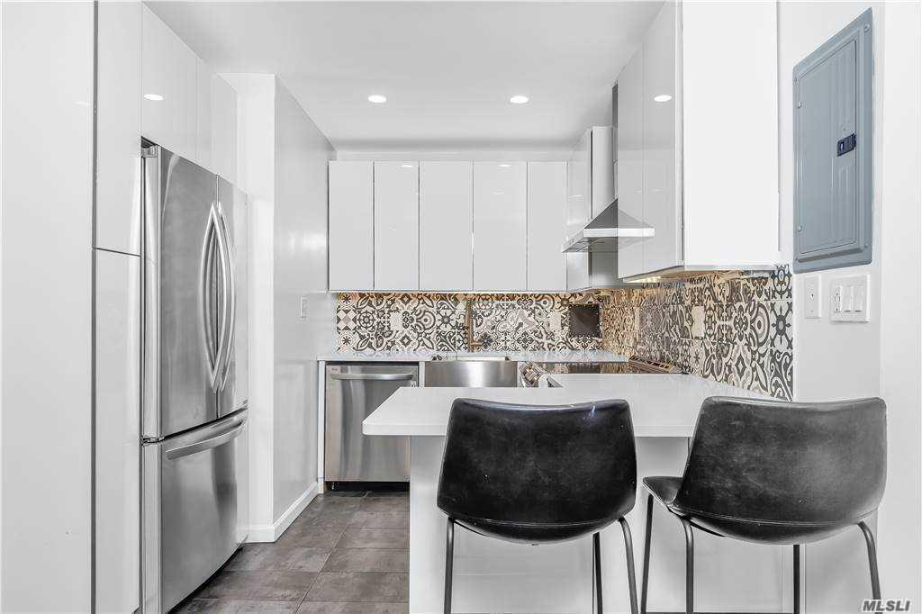 Property for sale at 9-20 166 St. Unit: 4B, Beechhurst,  New York 11357