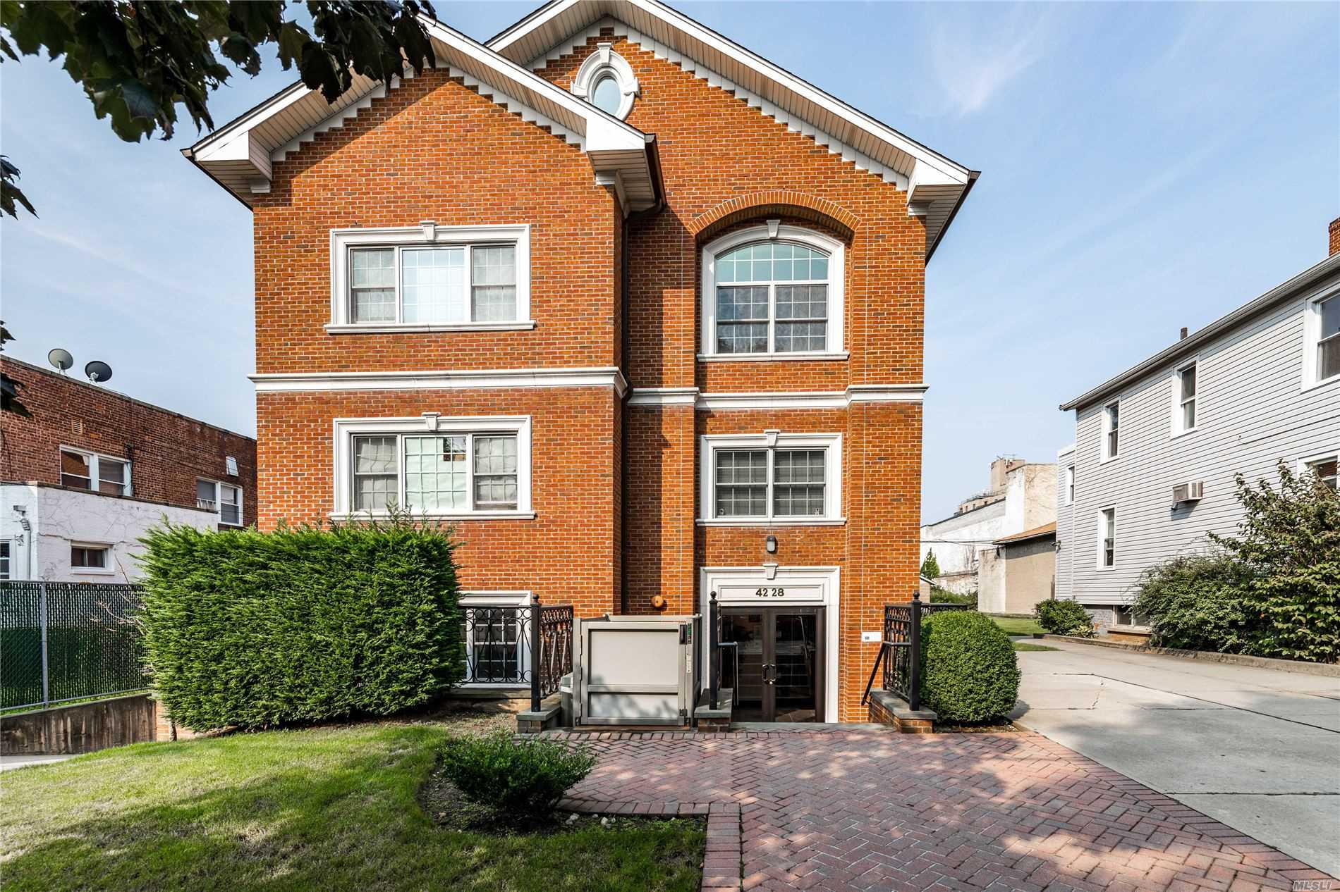Property for sale at 42-28 214th Place Unit: B3, Bayside,  New York 11361