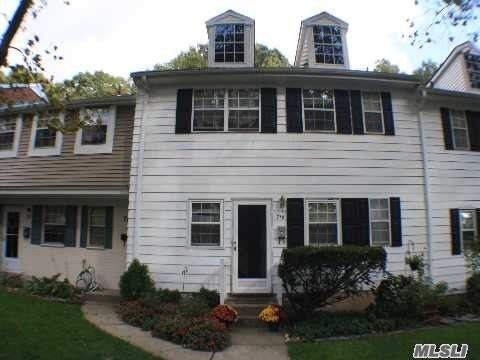 Property for sale at 718 Towne House Vlg, Islandia,  New York 11749