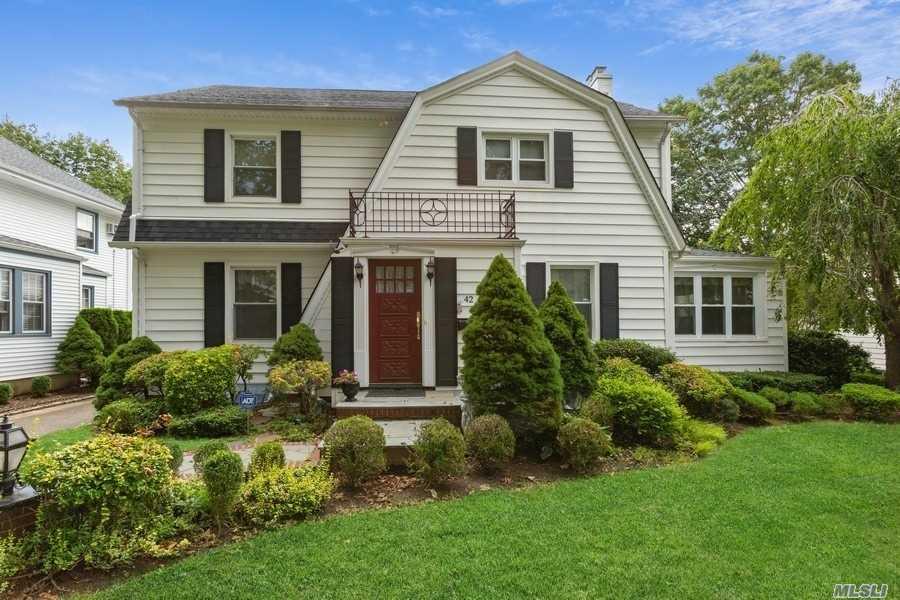 Property for sale at 42 Hudson Road, Floral Park,  New York 11001