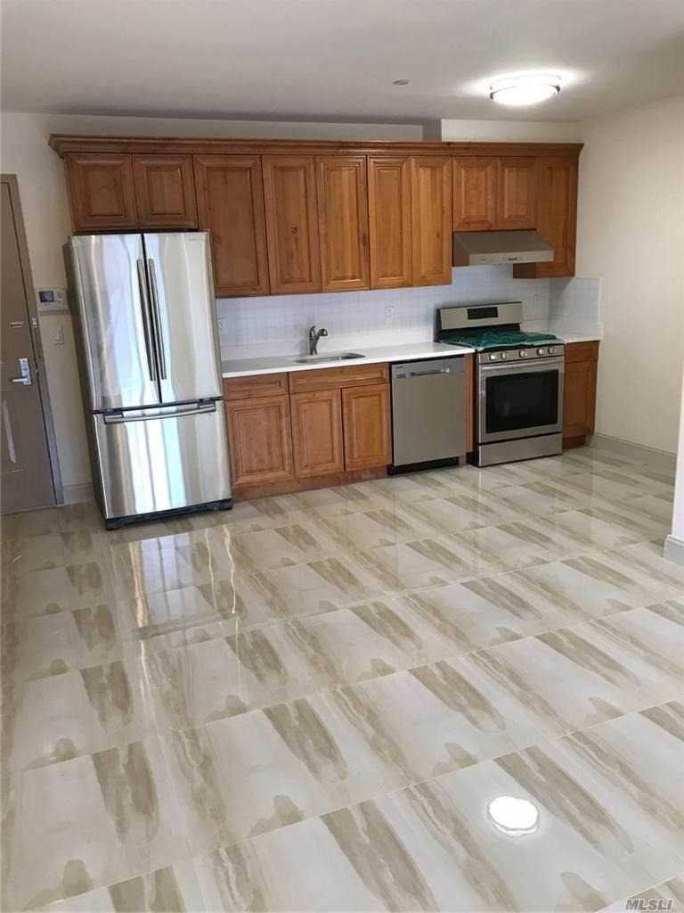 Property for sale at 65-38 Austin Street Unit: 6J, Rego Park,  New York 11374