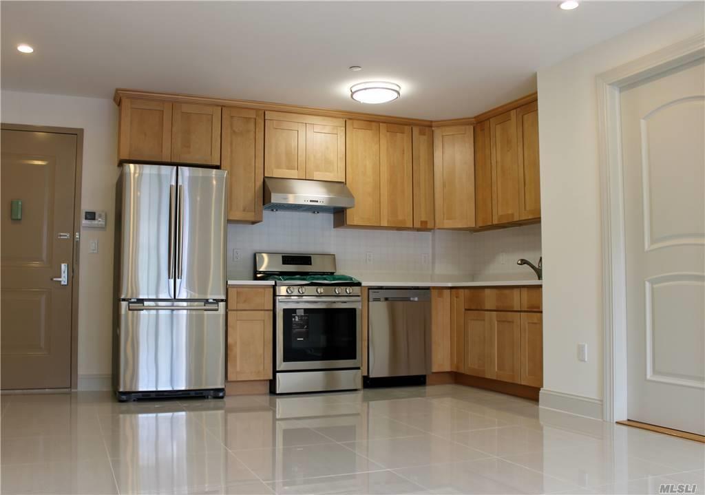 Property for sale at 65-38 Austin Street Unit: 4K, Rego Park,  New York 11374