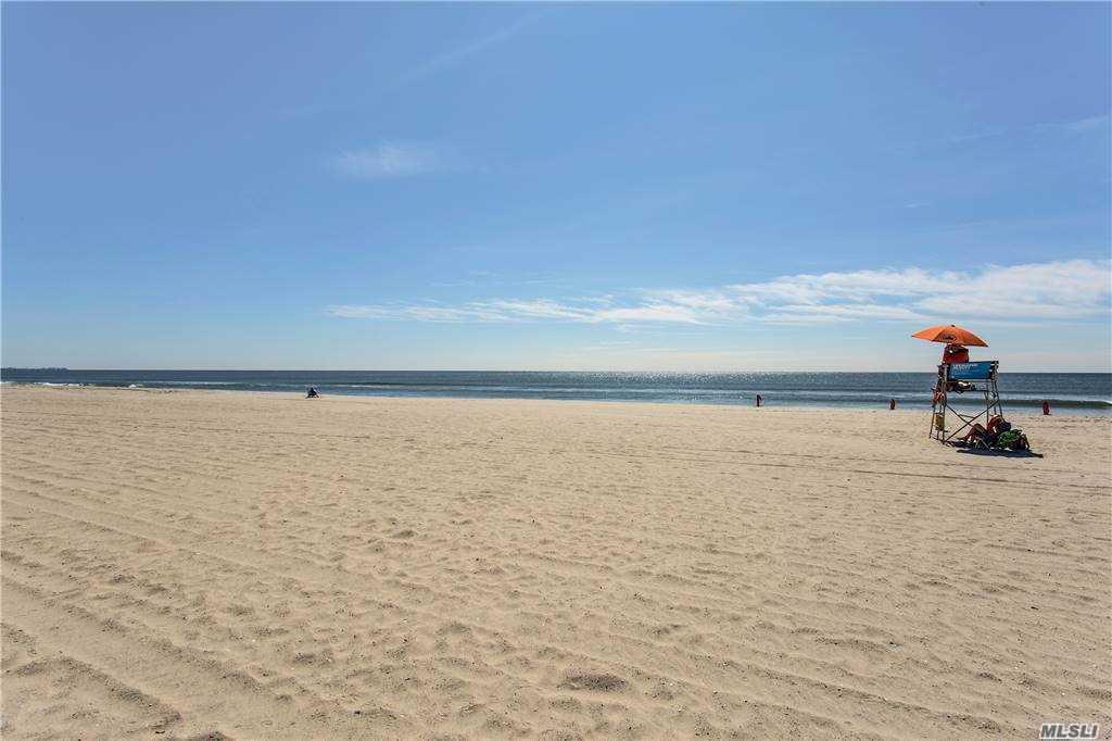 Condo Rockaway Beach Boulevard  Queens, NY 11694, MLS-3252489-20