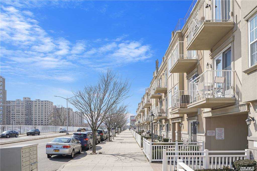 Condo Rockaway Beach Boulevard  Queens, NY 11694, MLS-3252489-18