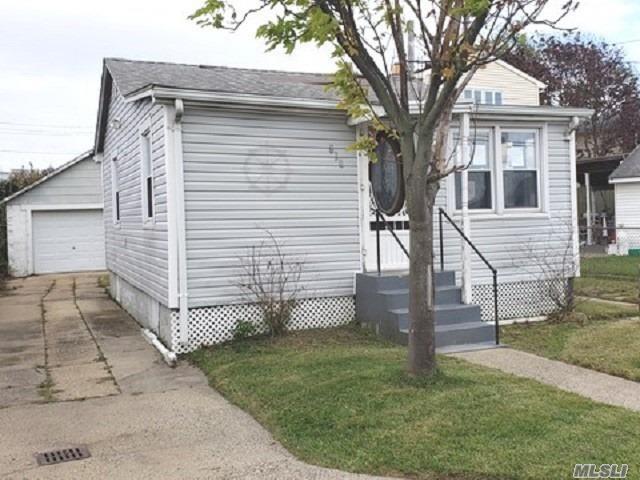 830 Ocean Street, Lindenhurst NY 11757