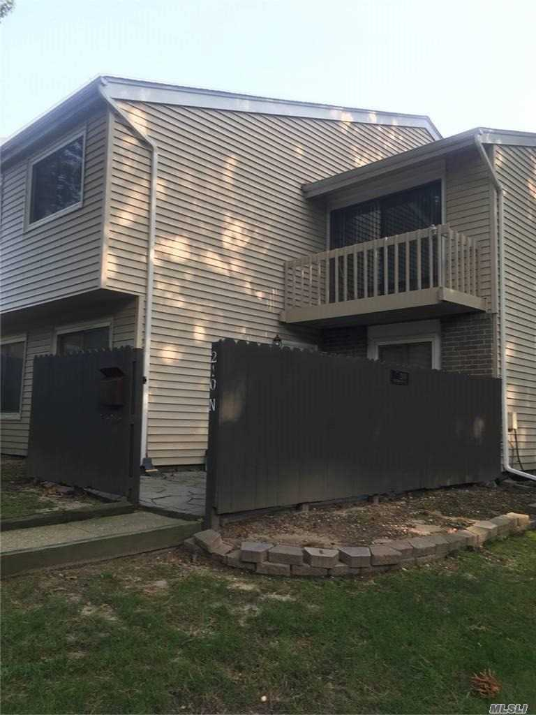 Property for sale at 210 N Springmeadow Drive Unit: N, Holbrook,  New York 11741