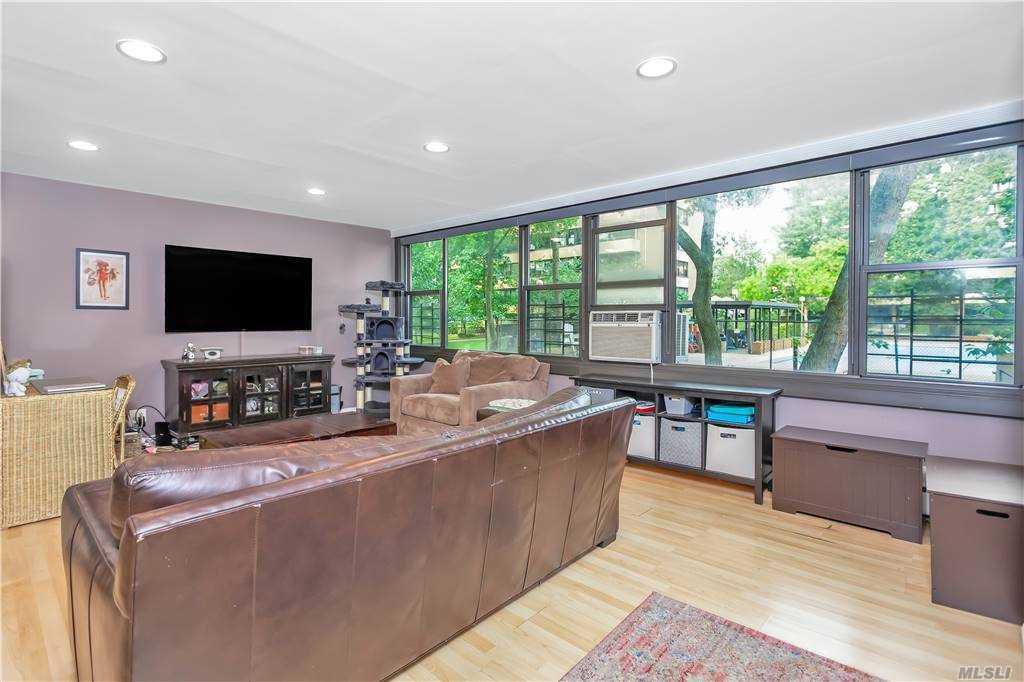 Property for sale at 10-10 166 St Unit: 2B, Beechhurst,  New York 11357