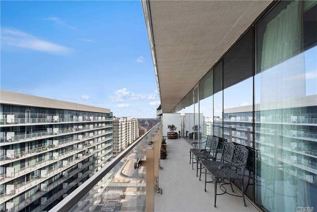 Property for sale at 131-03 40th Road Unit: PH2K, Flushing,  New York 11354