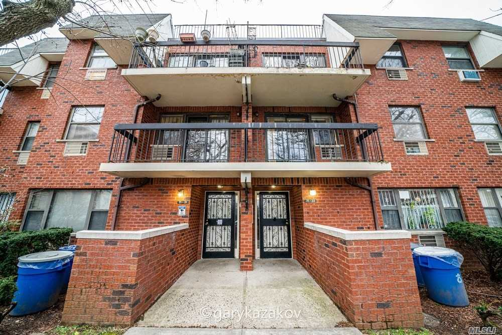 Property for sale at 71-33 Park Avenue Unit: 2, Fresh Meadows,  New York 11365