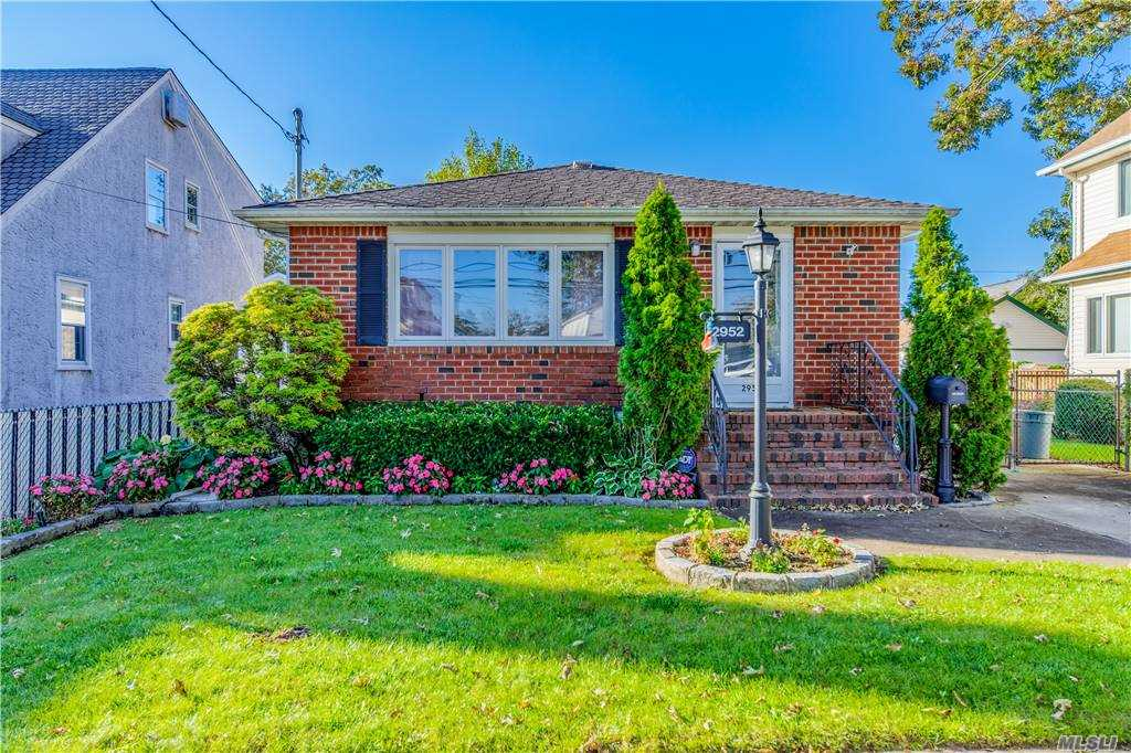 Oceanside 1-family brick ranch style with 3 bedrooms & 2 baths. Features a spacious living room with naturally lighting from large windows, open kitchen with nice cabinetry & stainless appliances, backyard patio, detached garage and private driveway. Near Long Beach Road & Atlantic Ave for shopping and dining. Minutes from L.I.R.R. stations.