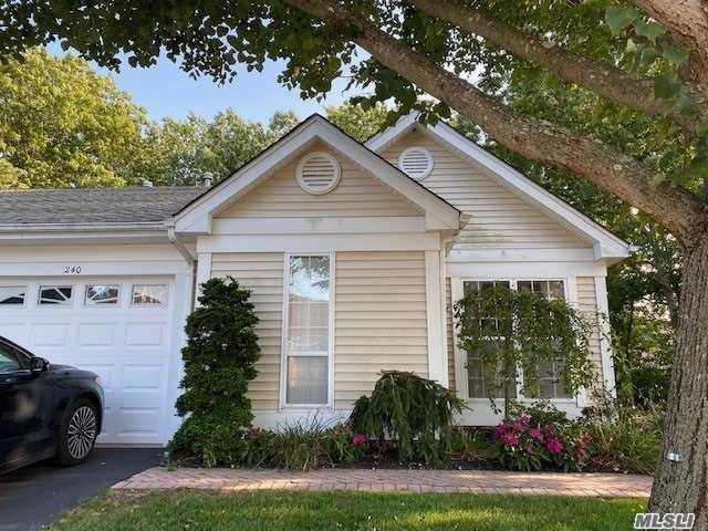 Property for sale at 240 Glen Drive, Ridge,  New York 11961