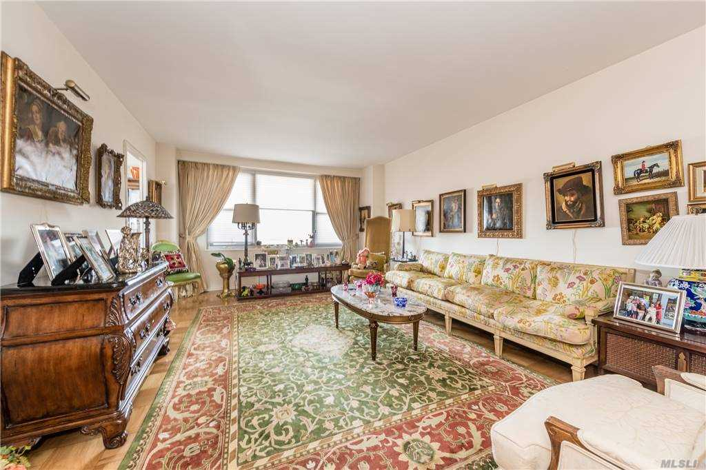 Property for sale at 70-25 Yellowstone Boulevard Unit: 22C, Forest Hills,  New York 11375