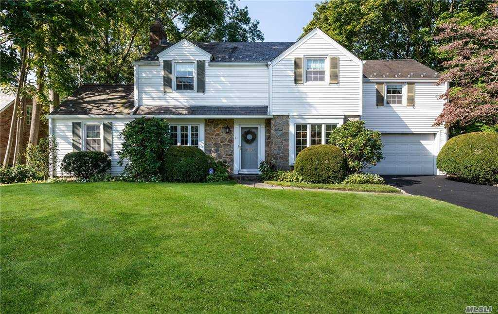 New to Market! Nestled on a quiet block in the desirable village of Munsey Park sits this 4-bedroom and 2.5 bath charming center hall colonial. Formal living room w/FPL, Fdr, kitchen, den and 1.5 garage. This home offers peaceful living while being conveniently located close to shops, schools and the LIRR.