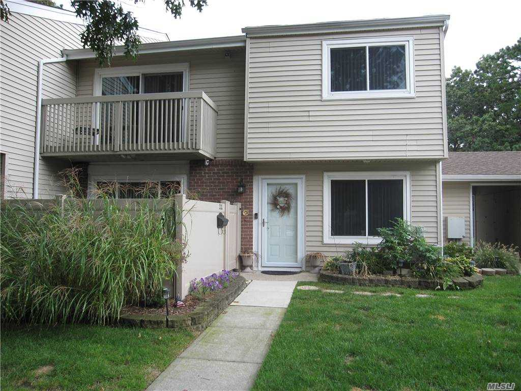 Property for sale at 222L Springmeadow Drive Unit: L, Holbrook,  New York 11741