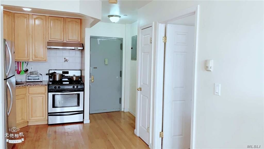 Property for sale at 4135 67th Street Unit: 6C, Woodside,  New York 11377