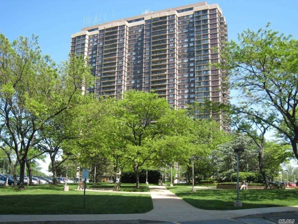 Property for sale at 26910 Grand Central Parkway Unit: 23D, Floral Park,  New York 11005