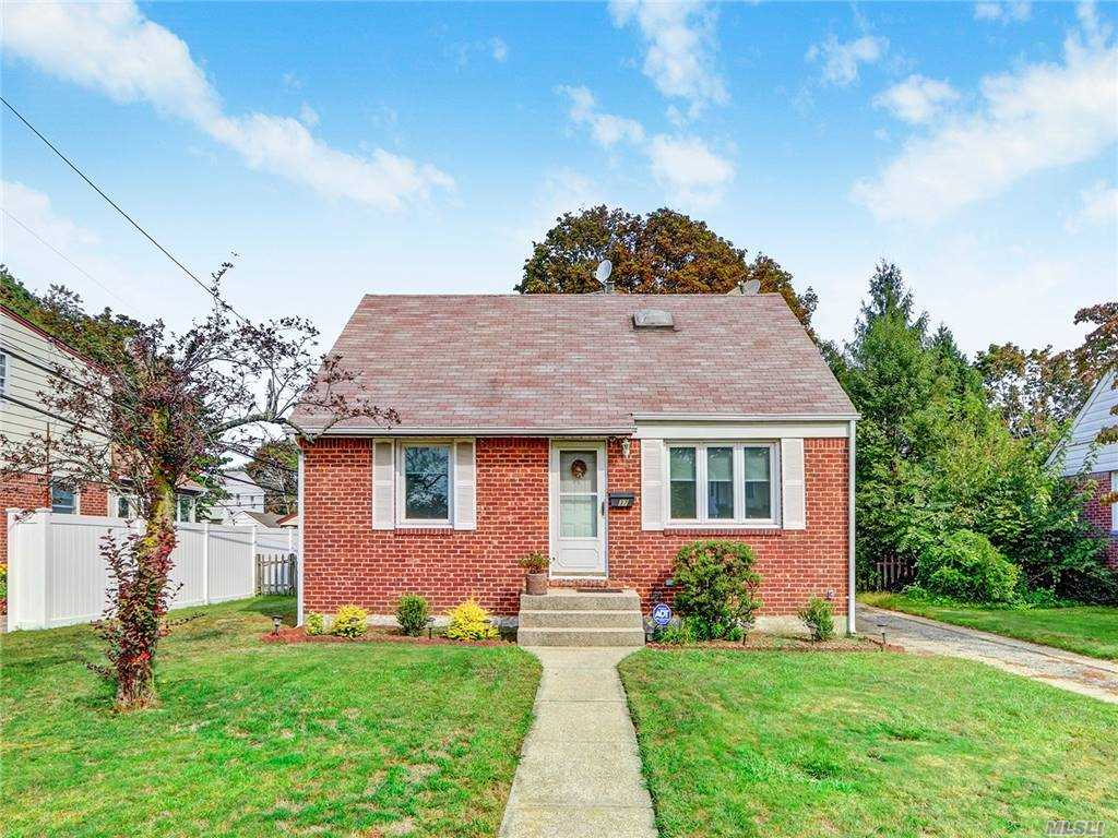 Welcome to this Beautiful Cape house with 6840 sqft lot size,featuring 2 Bedrooms including Master Bedroom,one full bath ,Eat in kitchen, living room/ Dining Room ,on the 1st floor and 2 Bedrooms with full bath on the 2nd floor..Full Finished Basement..laundry room,Hardwood floors exist..1 Car detached parking..Excellent appearance ..close to all amenities .. Must see..