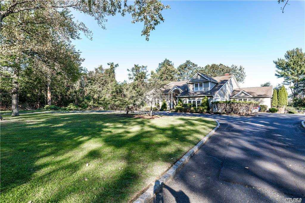 Property for sale at 14 Briarwood Court, Head Of Harbor,  New York 11780