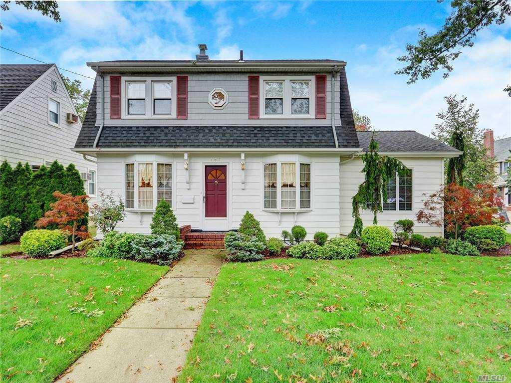 Property for sale at 163 Violet Avenue, Floral Park,  New York 11001