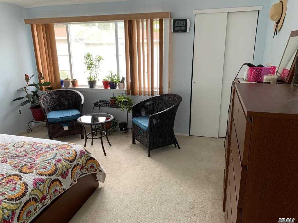 Single Family Linda Lane  Staten Island, NY 10312, MLS-3257654-10