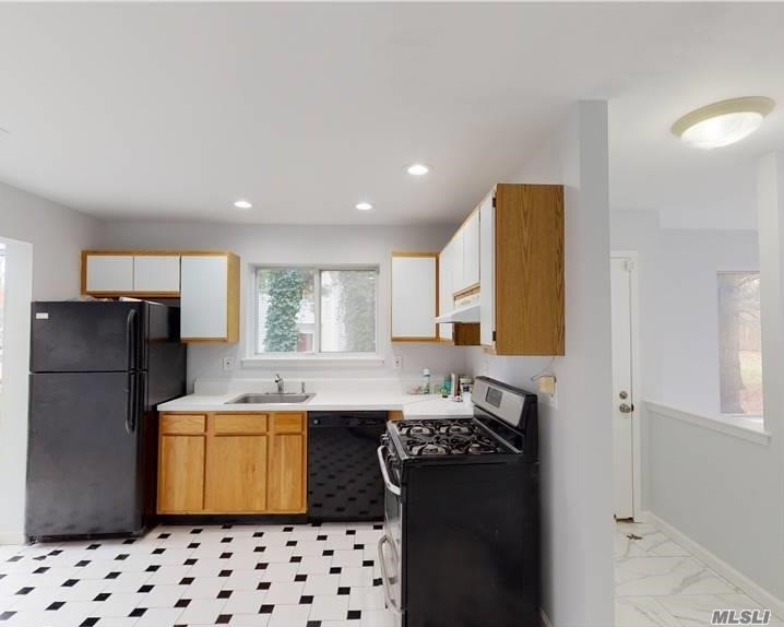 Residential Lease Sutton Place  Suffolk, NY 11749, MLS-3257700-4
